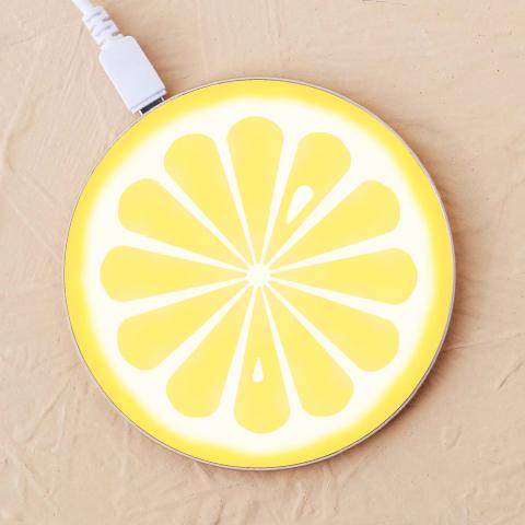 【レモン】充電器を見る
